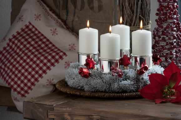 kranzteller kerzenstecker im kerzen shop zu guenstigen. Black Bedroom Furniture Sets. Home Design Ideas