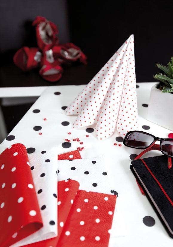 servietten punkte im kerzen shop zu guenstigen preisen kaufen. Black Bedroom Furniture Sets. Home Design Ideas